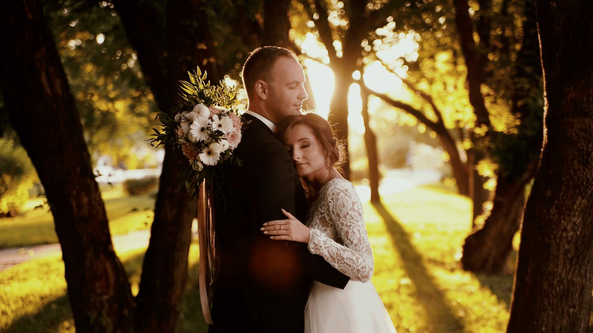 Plener ślubny w słoneczny dzień weselny